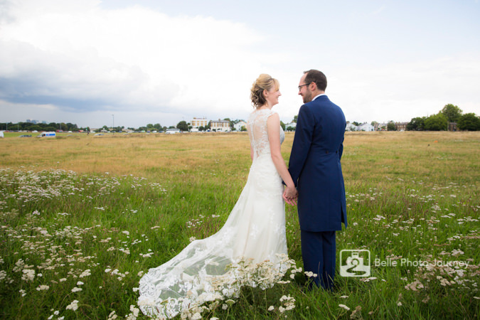 couple look at each other field blackheath greenwich cutty sark